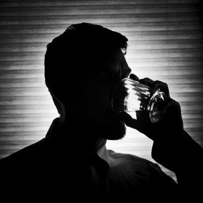 禁酒後ブログを書き始めたアルコール依存症の40男が断酒1年成功