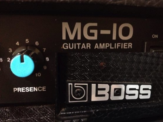 BOSS MG10 VS Roland CUBE LITE