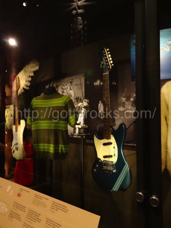 カート コバーン ギターDSC04194
