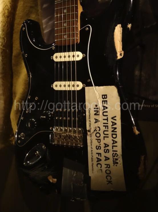 カート コバーン ギターDSC04206