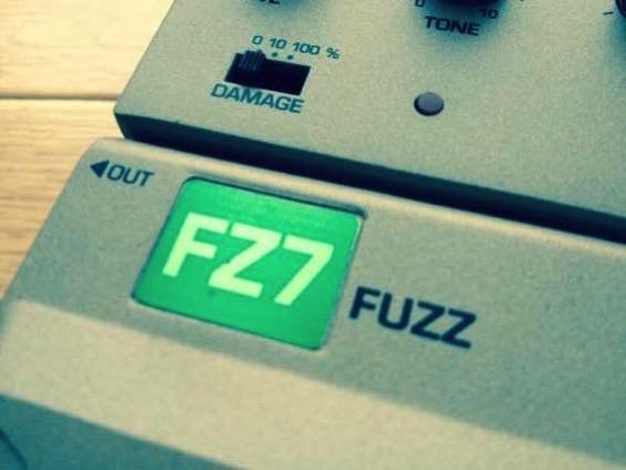 快感のファズ TONE-LOK Ibanez FZ7